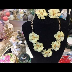 Vintage Light Yellow  Plastic Flower  Necklace